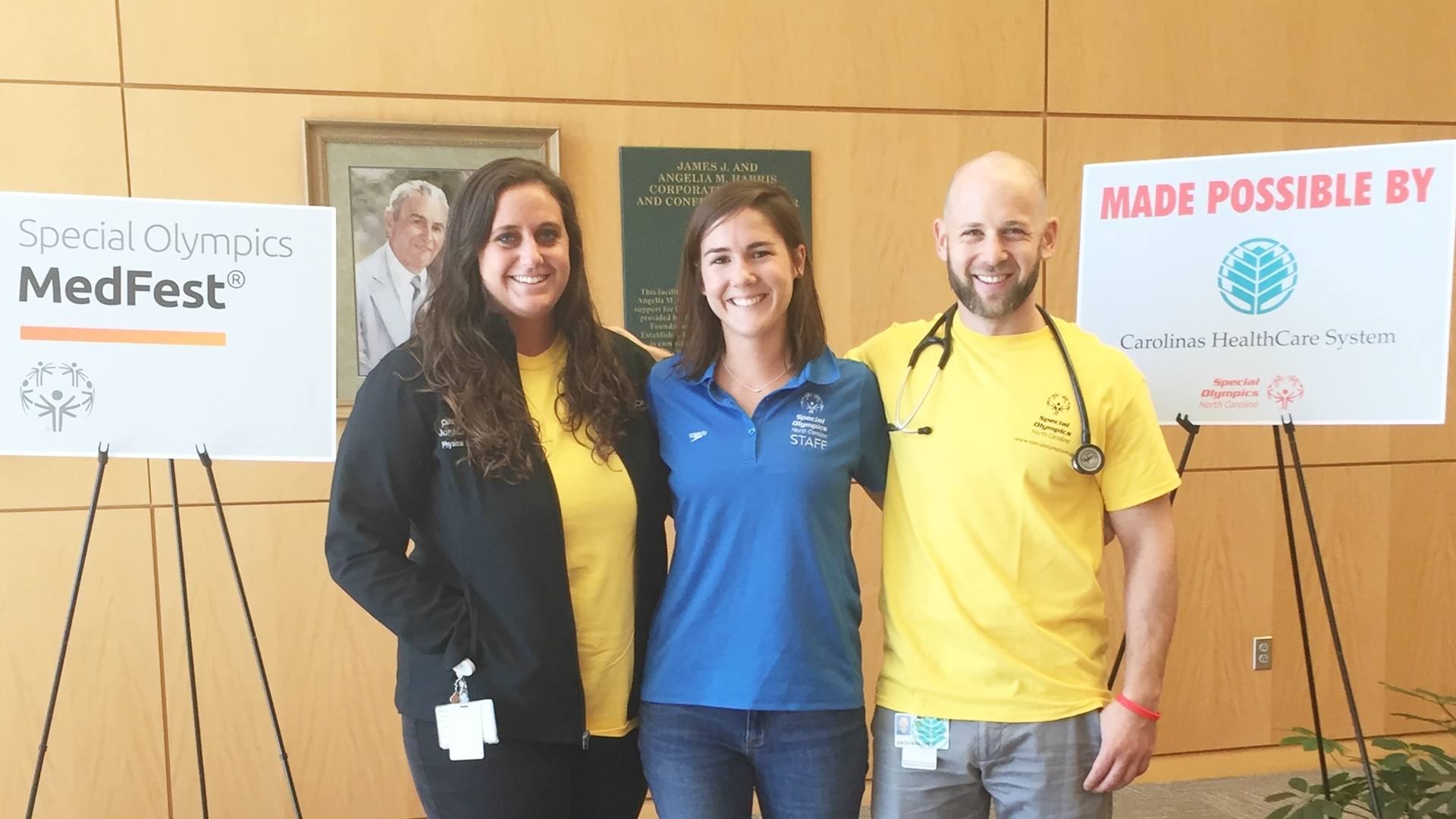 Clinical residents from Carolinas Rehabilitation, as well as Carolinas HealthCare System nursing and dental students helped student-athletes from Charlotte-Mecklenburg Schools qualify for the Special Olympics.