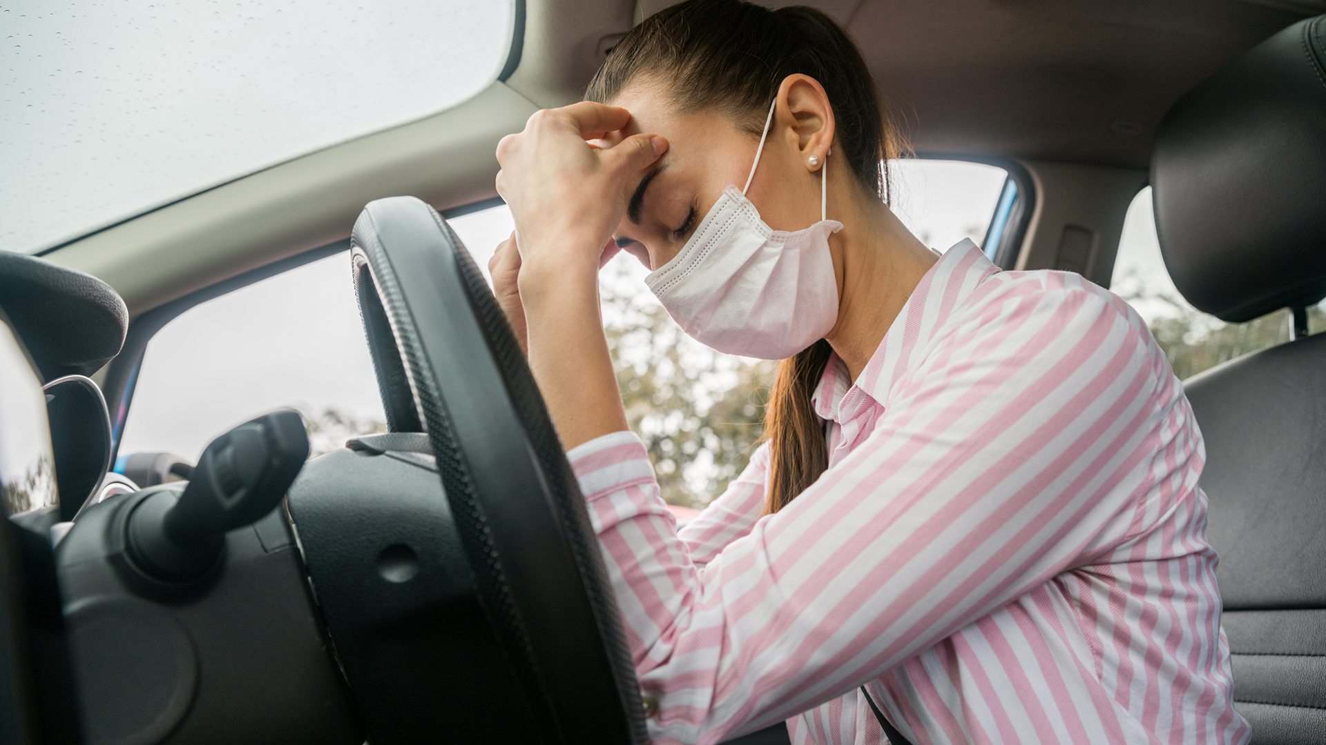 Holiday travel season is just around the corner, which means millions of people will experience motion sickness in a car, train, or plane. How can we manage this common discomfort to make the journey just as fun as the destination? Dr. Jason Fishel, MD, answers our biggest questions about motion sickness management.